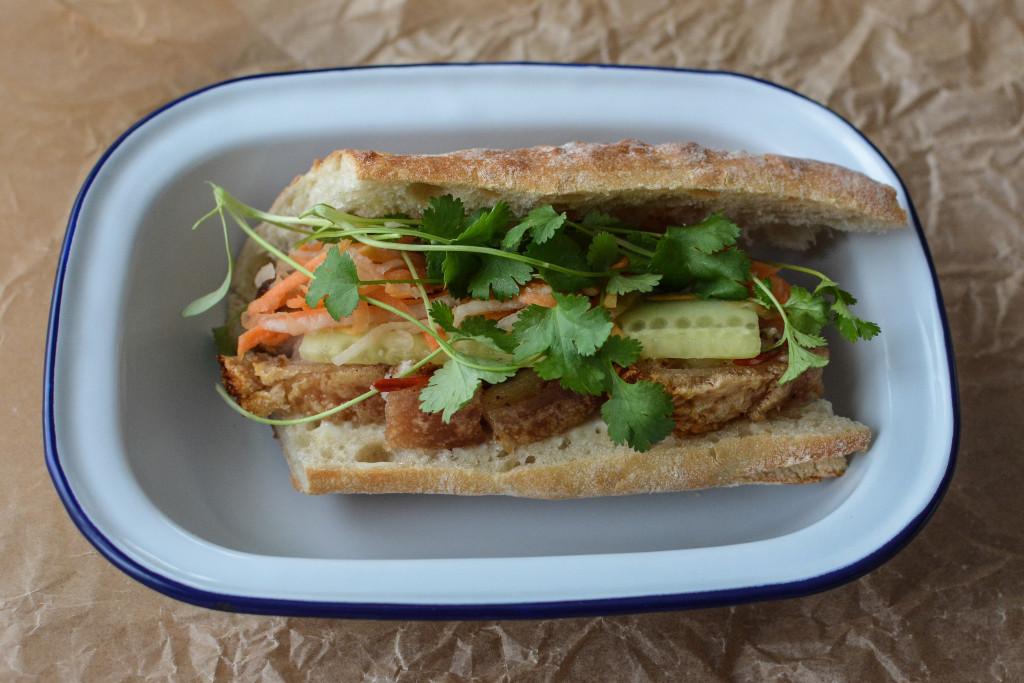 Banh Mi mit geröstetem Schweinebauch mit Kruste Rezept